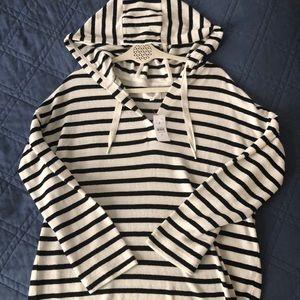 NWT Lou & Grey Sweatshirt